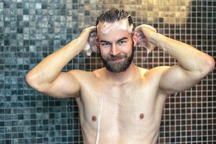 Excès de sébum séborrhée cheveux gras